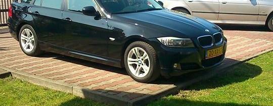 BMW 320d Turing E90*lift*Czarny