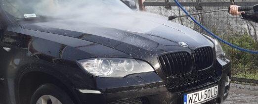 Skradziono samochód marki BMW X6